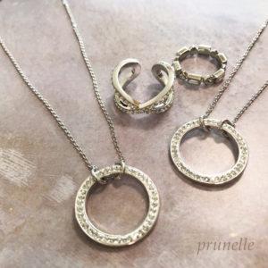 グルーデコの指輪とネックレス